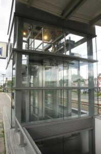 Bergen_OP_Zoom5_stations_van_den_beemd_stalen_liftschachten