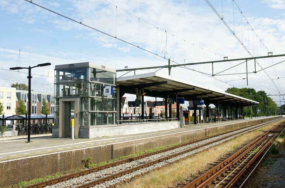 Bergen_OP_Zoom6_stations_van_den_beemd_stalen_liftschachten